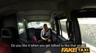 Faketaxi - блондинка трахается на такси капота