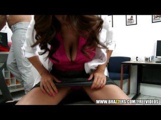 грудастых врач трахает ее пациент