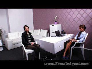 Femaleagent - агент доминирует тонкий красоту