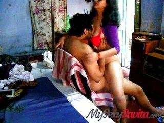 Savita Bhabhi большие сиськи индийские домохозяйки