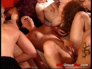 дикий групповой секс так много людей чертову и Suc