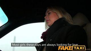 Faketaxi прага блондинка с хорошей задницей и сиськами