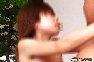 милый японский молодой пользуется ее первый член