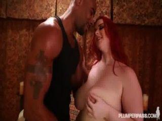 сексуальный новичок Amerie ТОМАС любит большие черные петухи