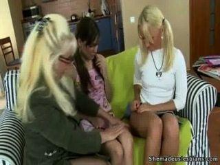 после того, как лесбиянок дополнительных занятий Алины и Nicole могут сделать друг друга диплом