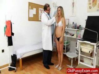 курения горячая блондинка леди, получить гинекомастии