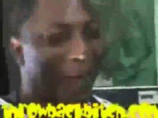 2 жира панки боров трахал маленькую черную девушку в туалете гетто - Pornhub.com.mp4