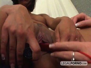 две сексуальные неряхи в секс втроем с черный петух Nl-10-01