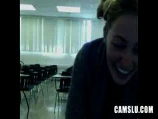о нет мой милый сексуальная девушка мастурбирует в классе попадает на Camery