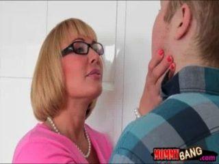 роговой ИФОМ соблазняет ее падчериц БФ тогда они были 3some