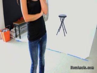 новичку модель получает первый раз анальный на фотосессию