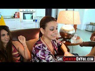 04 эти девушки сходят с ума от Clucb Orgy Sucking Dick 34