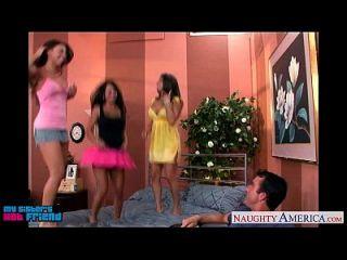 горячие брюнетки Mariah Milano, Rachel Roxxx и Rachel Starr трахают чувака