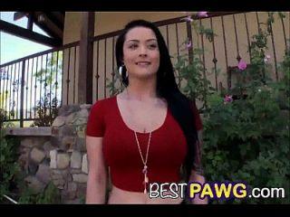 Katrina Jade представляет ее прекрасную задницу 2 мира