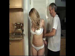 от двери до двери связанная девушка и завязанная рот часть 1
