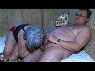 Oldnanny Chubby Granny очень возбужденный большой тройки