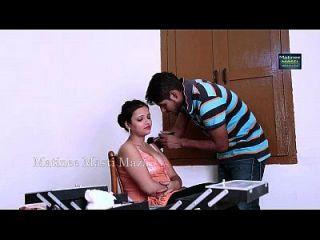 индийская актриса горячий роман с мальчиком