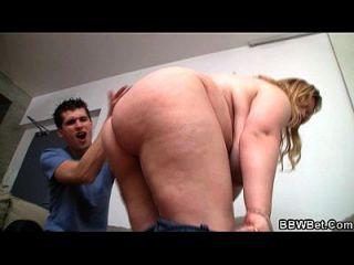 толстая девушка тощий парень с большим членом