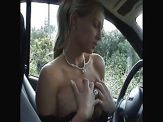 сперма везде в машине