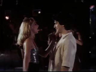 полный фильм, никогда не спать в одиночестве 1984 Классический ретро