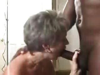 горячая зрелая жена получает сперма в жопе от ее черного Lover.eln