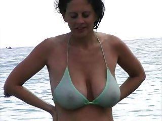 Горячие ИФОМ в бикини на пляже