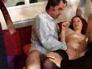 французская женщина ебать с 4-мя мужчинами - групповик