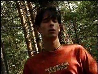 Хорни гей русский Bois ебут в лесу
