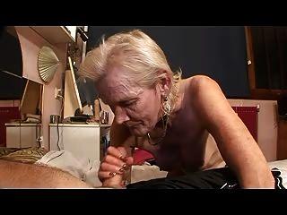 Бабушка и дедушка до сих пор люблю действие кровать