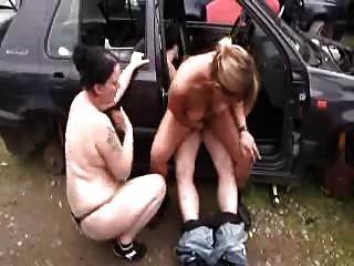 папа ебет маму и молодых девушка открытый