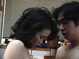 Японская мать 2 без цензуры