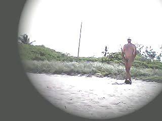 эксгибиционист жена лана дразня на нудистском пляже!