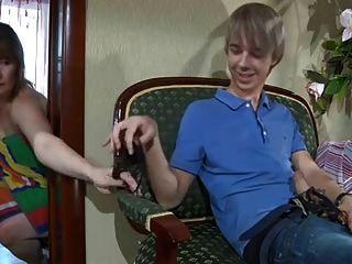 русский мамаша, бабка, зрелый и молодой мальчик # Pornapocalypse