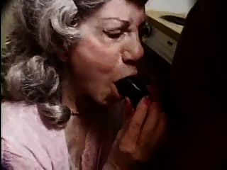 ой мой гребаный ... остановить порно бабули! F70