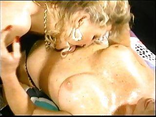 лесбиянка кормления грудью с помощью Spyro1958