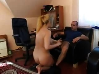 немецкий блондинка грудастая зрелые анальный секс в офисе