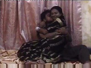 Индийская пара медового месяца