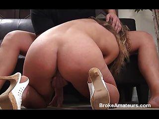любительские девушка делает все это в первом видео порно кастинг