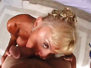 зрелая мама с огромными сиськами