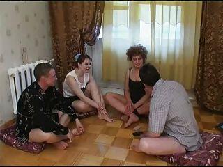 русский покер на раздевание-свинг пары 1