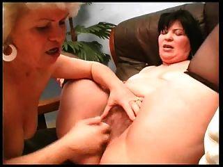 волосатые бабушки лесбиянки
