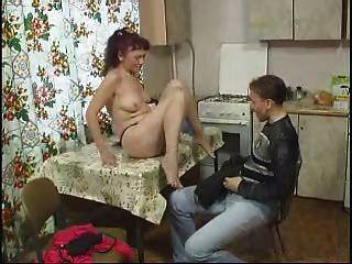 русская мама трахается с мальчиком по Snahbrandy