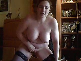 моя жена роговой мастурбировать для вас перед кулачком