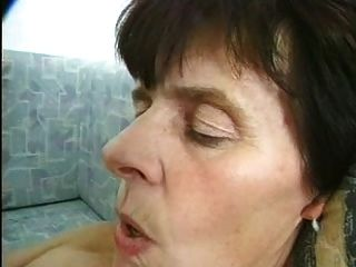 волосатые бабушки в чулках фаллоимитаторы