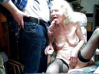 старая бабка 70 лет сосут внуком