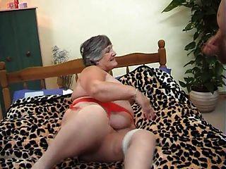 75 лет жадный бабка Либби 3some