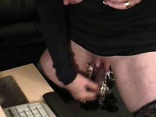 извратить бабушку с огромным клитором. странно секс