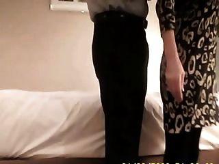 55 лет мамаша трахает незнакомец на скрытой камеры