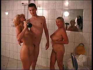 русская мама 22 блондинка зрелая с молодым человеком