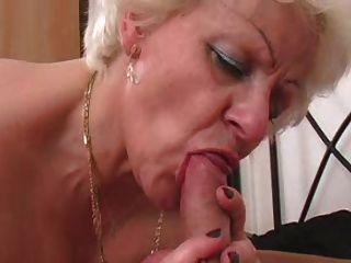 горячая девушка N92 блондинка толстушки зрелые с молодым человеком